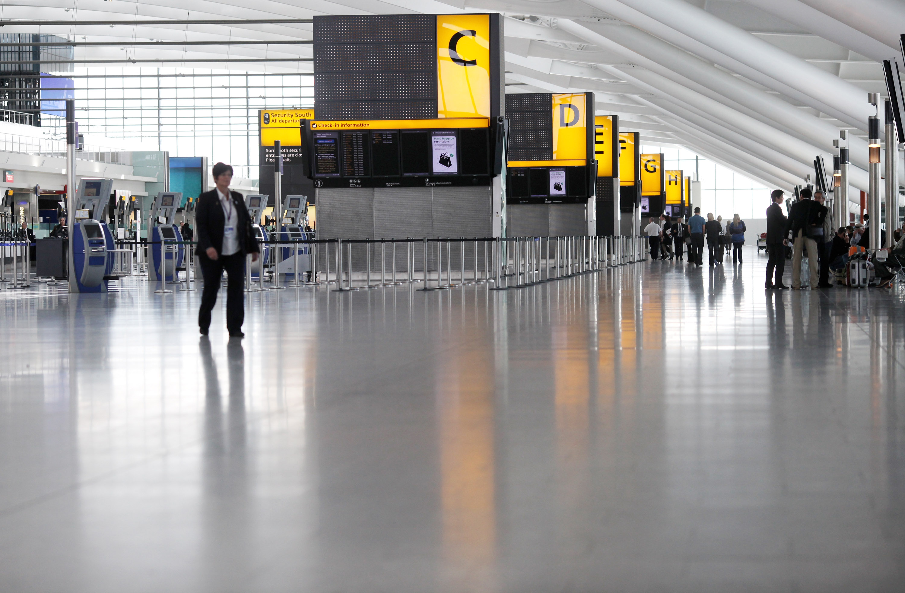 Airports On Stand By To Re Open As First Flights Leave The UK