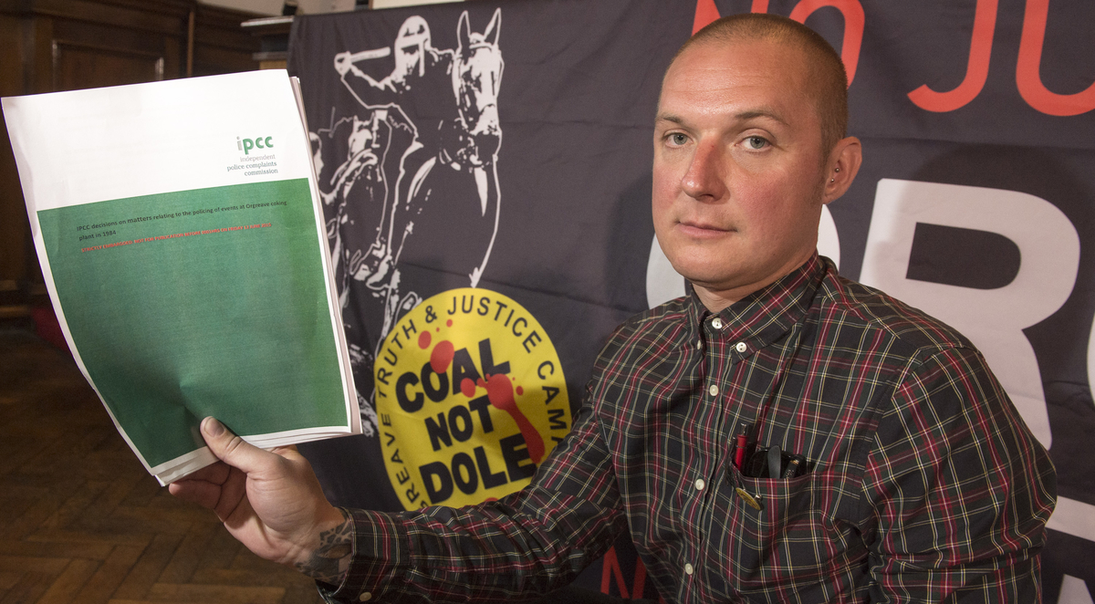 At the Barnsley Headquarters of the NUM, Members of the Orgreave Truth and Justice Campaign release the findings of the IPCC report in to Orgrave Coking Plant in 1984. Joe Rollin, Unite the Union Industrial Organiser North East, Yorkshire and Humber.