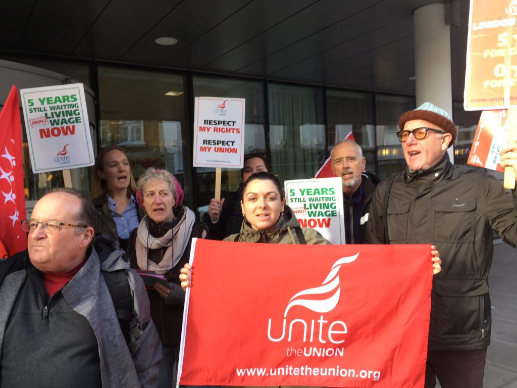 holiday inn living wage protest 2